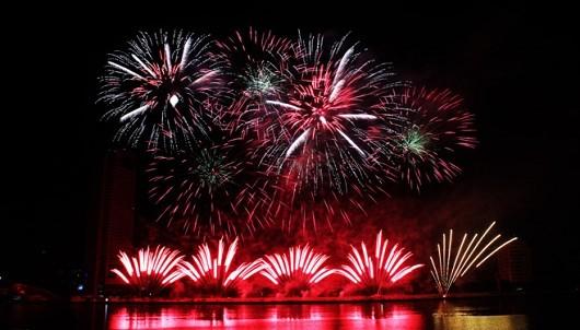 (Tiếng Việt) Ferroli thêm chất xúc tác cho lễ hội pháo hoa Đà Nẵng